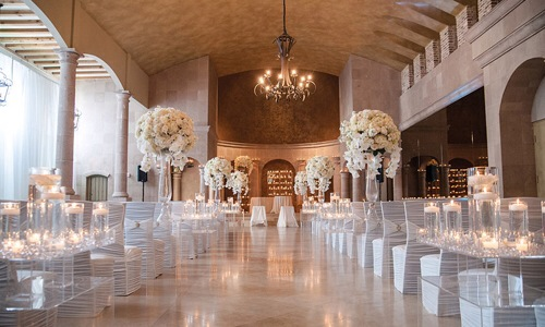 if you are planning your wedding houston is the best place which is full of exceptional spaces and extraordinary culinary offerings combine